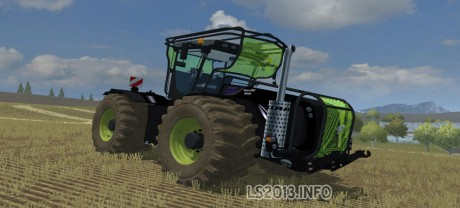 Claas-Xerion-5000-Black-Fluo-Fores-Dirt-460x208-1